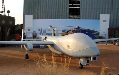 isra l va vendre des drones au br sil. Black Bedroom Furniture Sets. Home Design Ideas