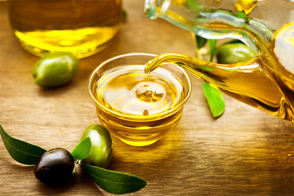 is-olive-oil-comedogenic-healthybeautiful-1024x683